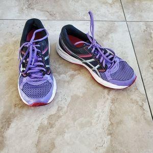 Asics  women's sneakers.  Size 8.5